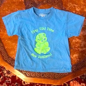 Glow in the dark Boys New Zealand T-shirt size 4